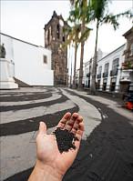 Aske på torget i Santa Cruz de La Palma