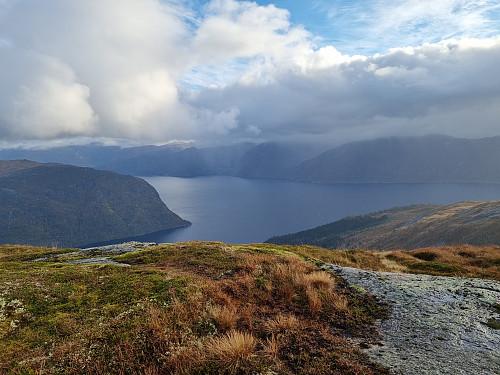 Sognefjorden sett frå stien frå Skålebotnfjellet