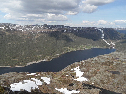 På nordkanten med utsikt over Breivevatnet.