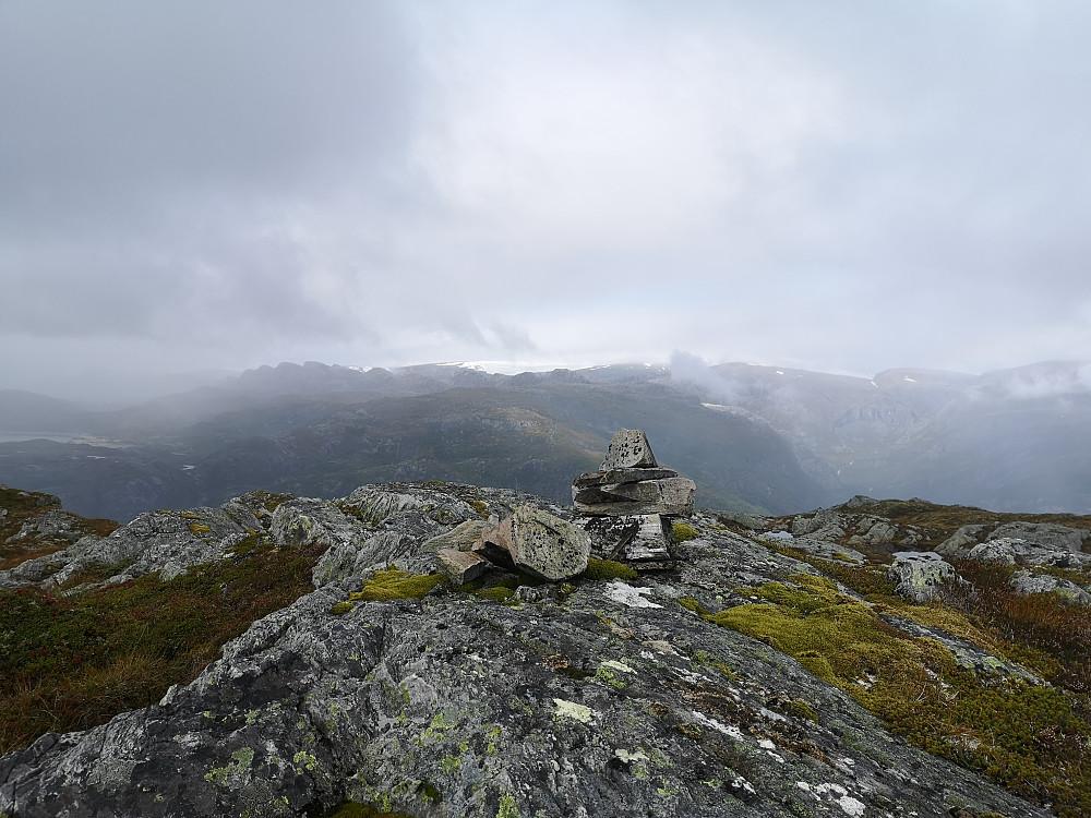 Storefjellet mot Kaldevassnykane og Ålfotbreen